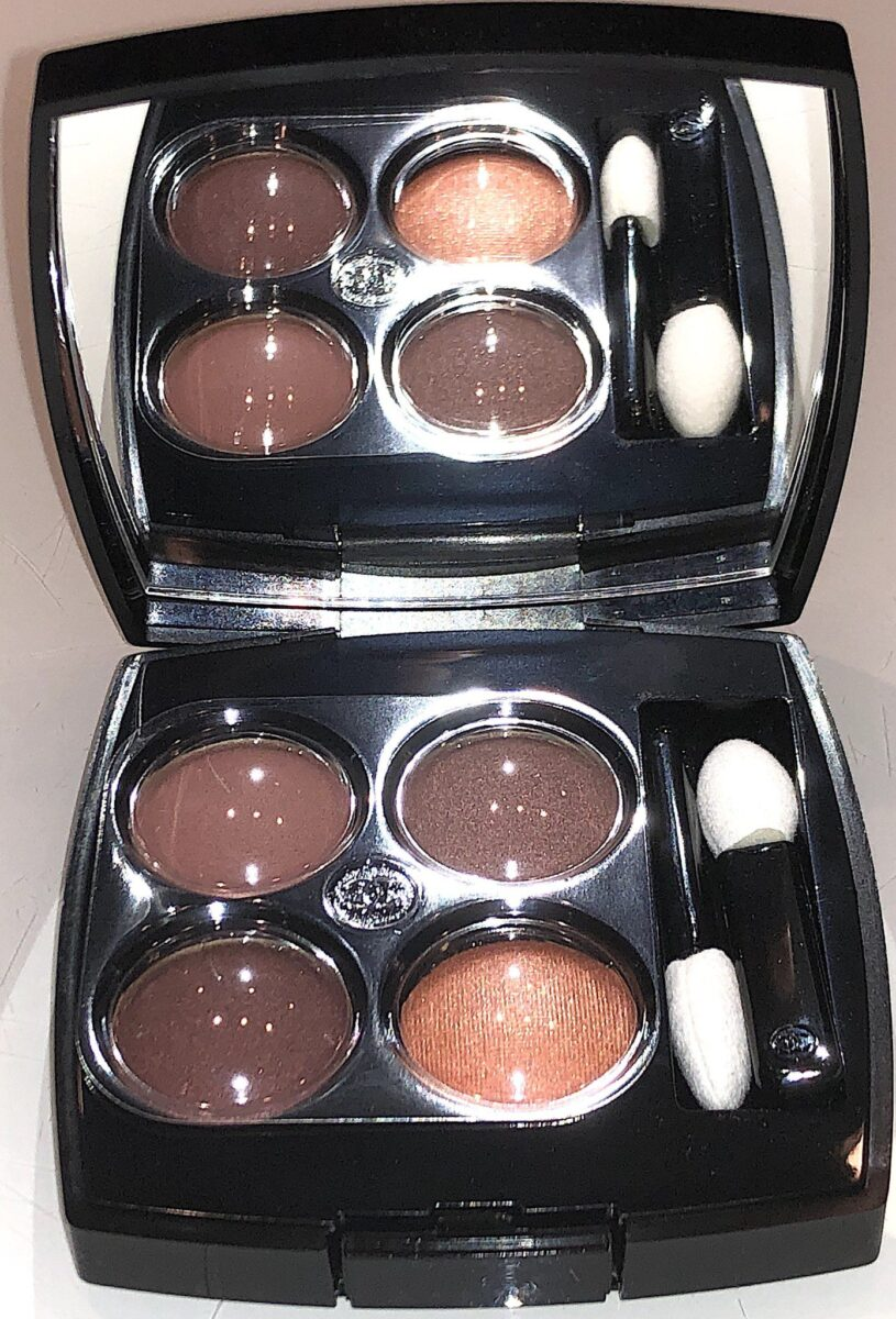 INSIDE THE PALETTE THE 4 EYESHADOWS ARE PROTECTED UNDER PLASTIC, AND THERE ARE TWO SPONGE TIPPED APPLICATORS