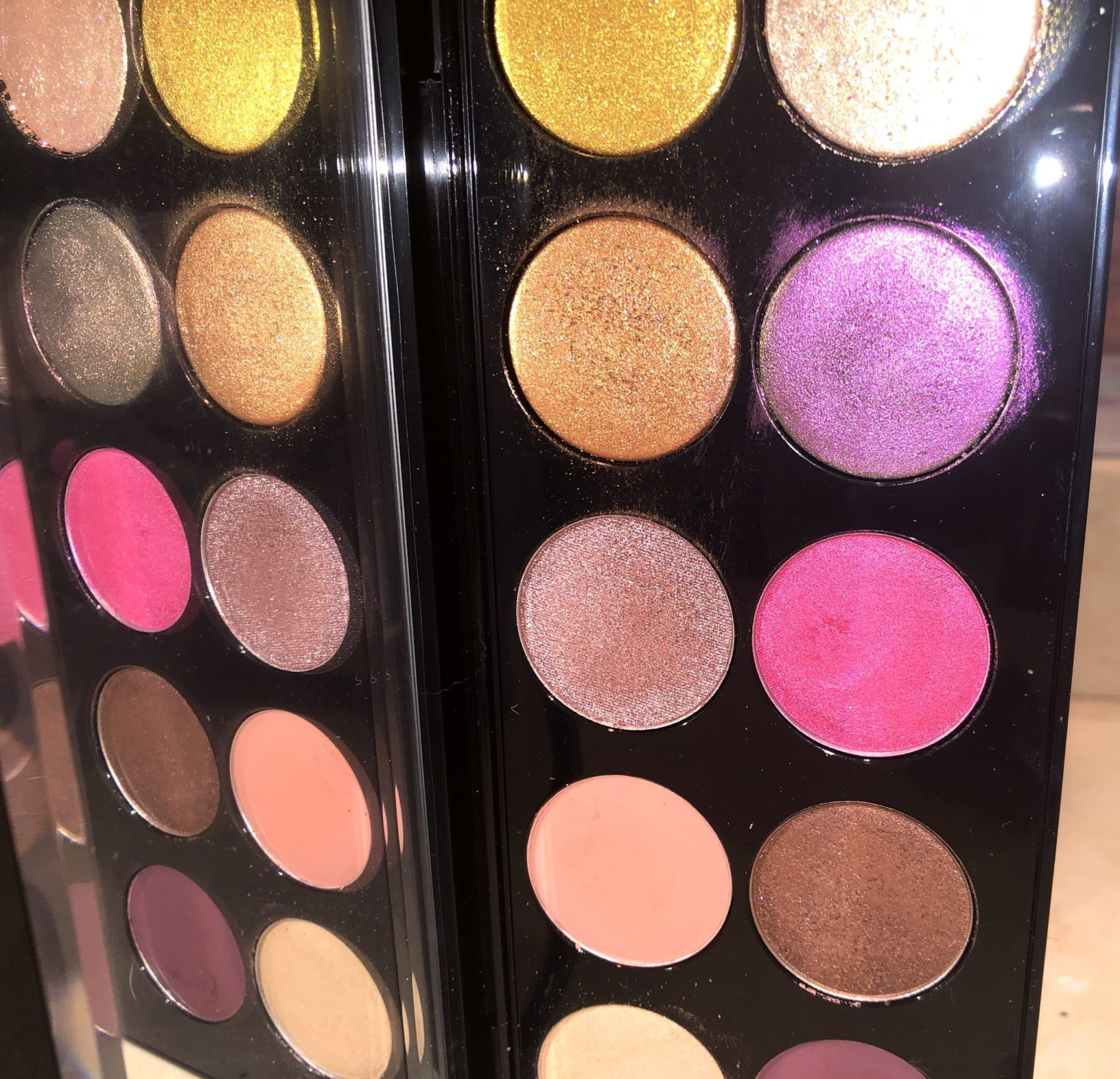 THE SECOND SHADE FROM THE TOP ALL THE WAY TO THE LEFT IS A GREEN MIRROR IMAGE OF THE FUCHSIA SHADE ALL THE WAY TO THE RIGHT
