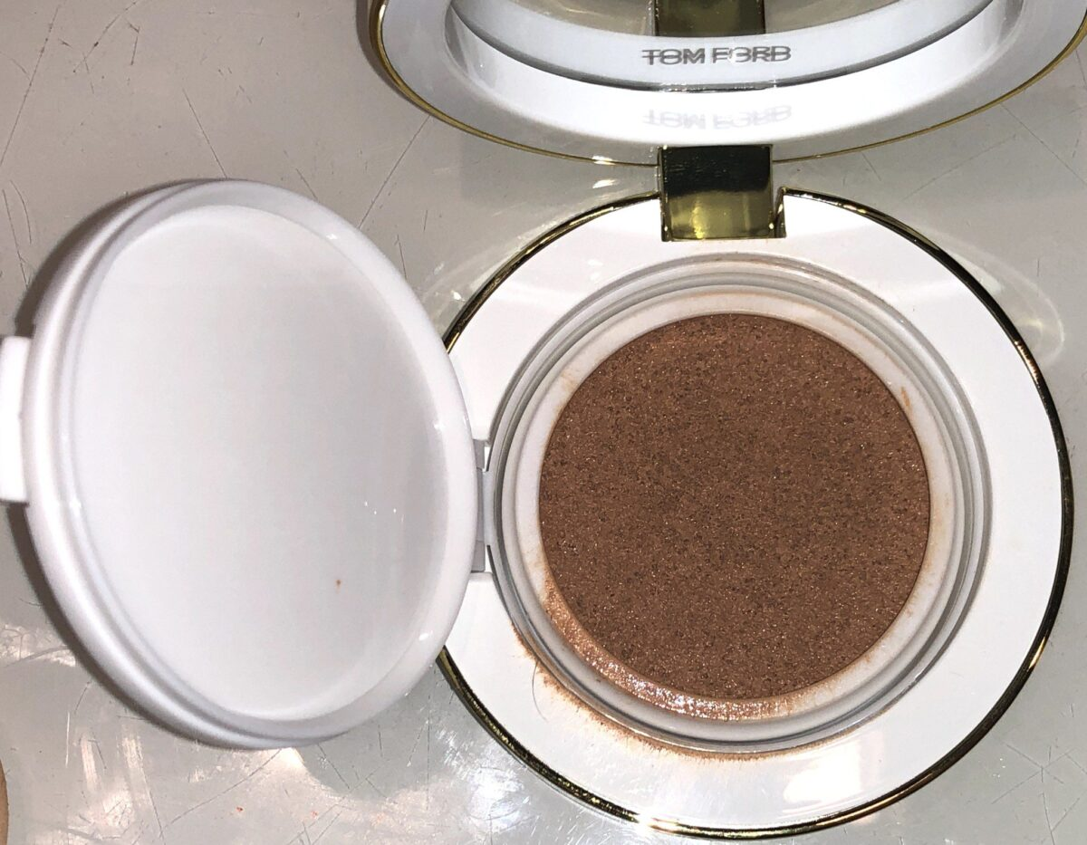 TOM FORD SOLEIL GLOW HYDRATING CUSHION COMPACT OPENED