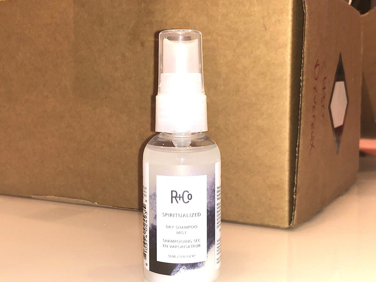 The R+Co Spiritualized Dry Shampoo Mist