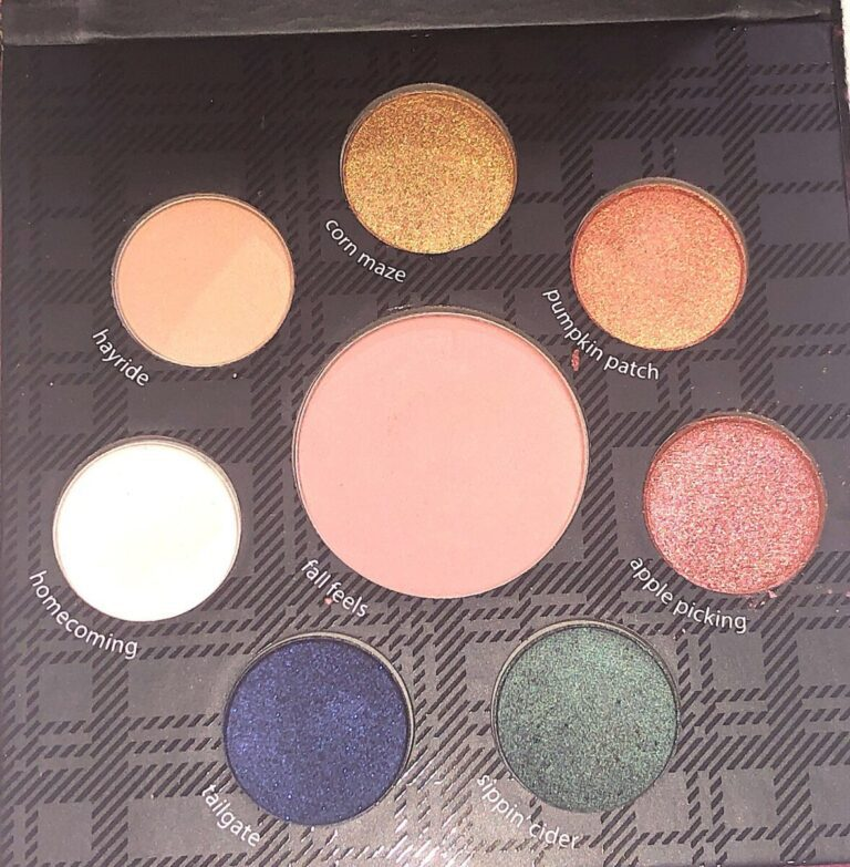 THE EYESHADOWS AND BLUSH