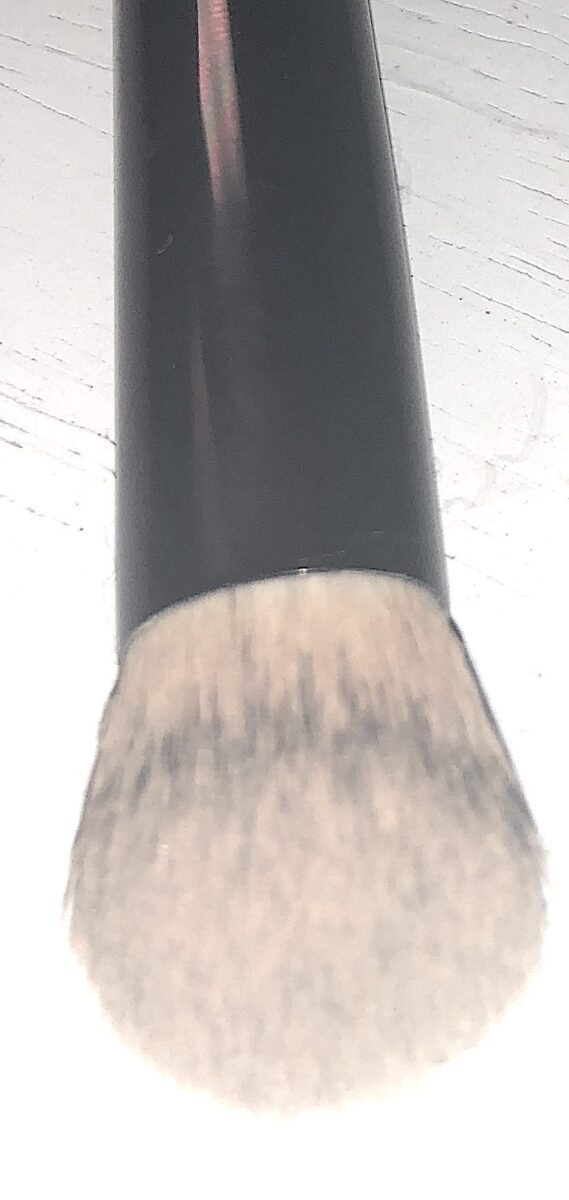 THE HOURGLASS AIRBRUSH CONCEALER BRUSH
