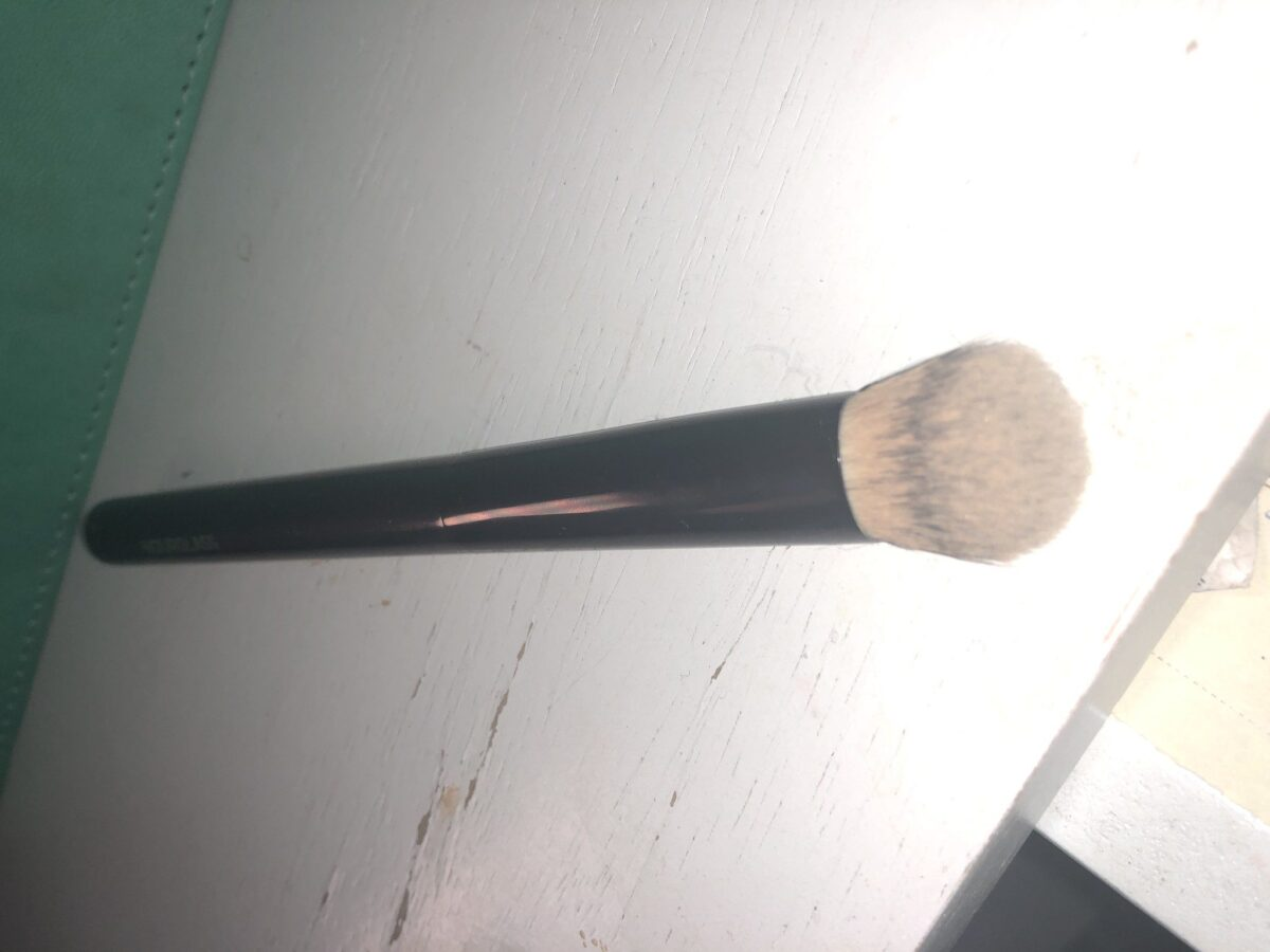 THE HOURGLASS AIRBRUSH CONCEALER BRUSH BRISTLES