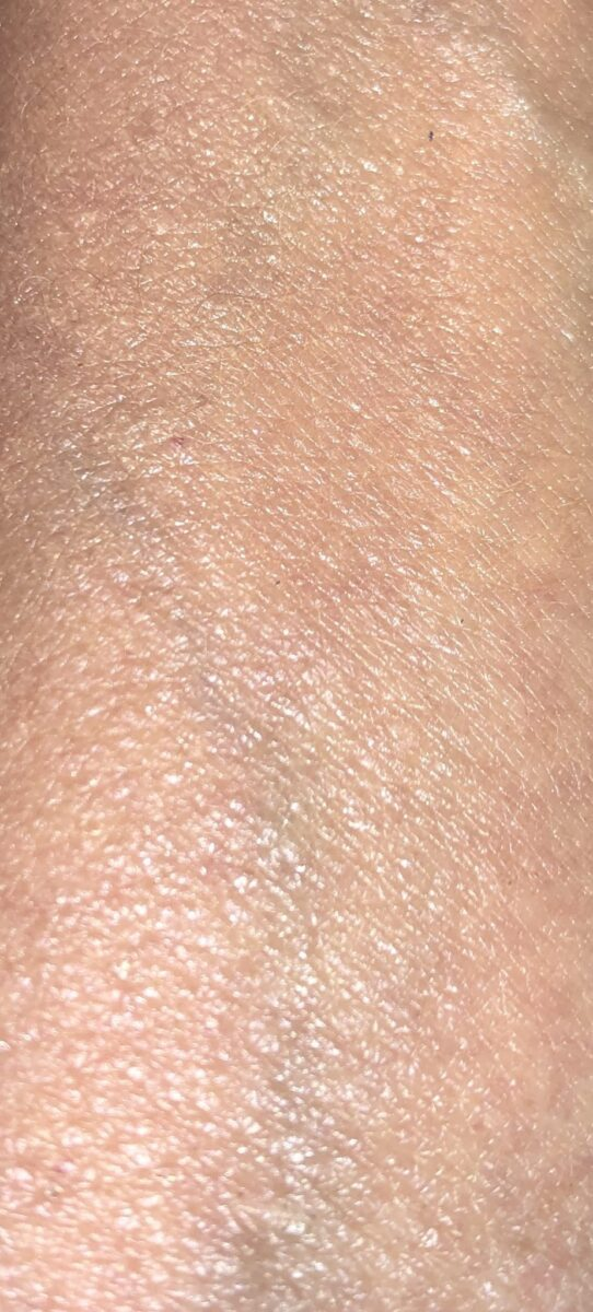 SWATCH OF MEDIUM BLENDED INTO SKIN