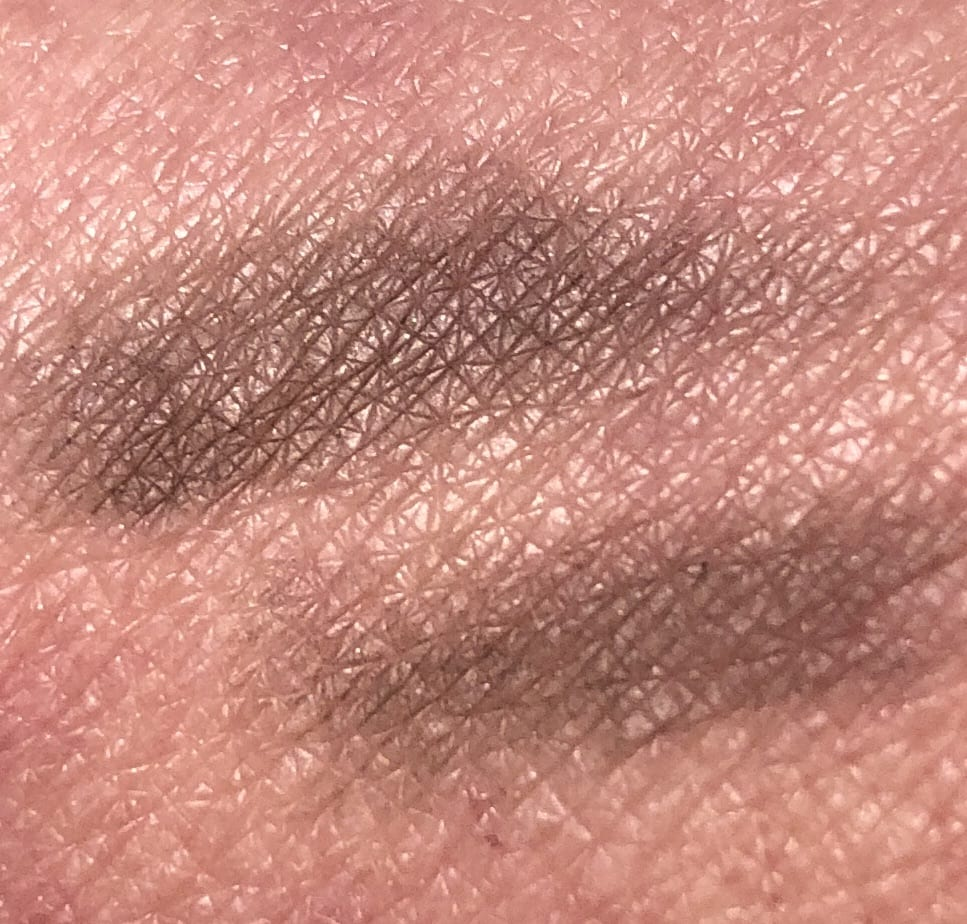 SWATCH GUCCI POWDER EYEBROW PENCIL IN 4 BROWN