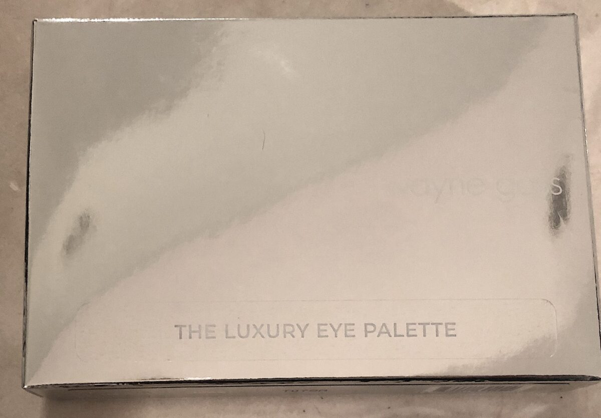 OUTER BOX FOR THE IMPERIAL TOPAZ EYESHADOW PALETTE