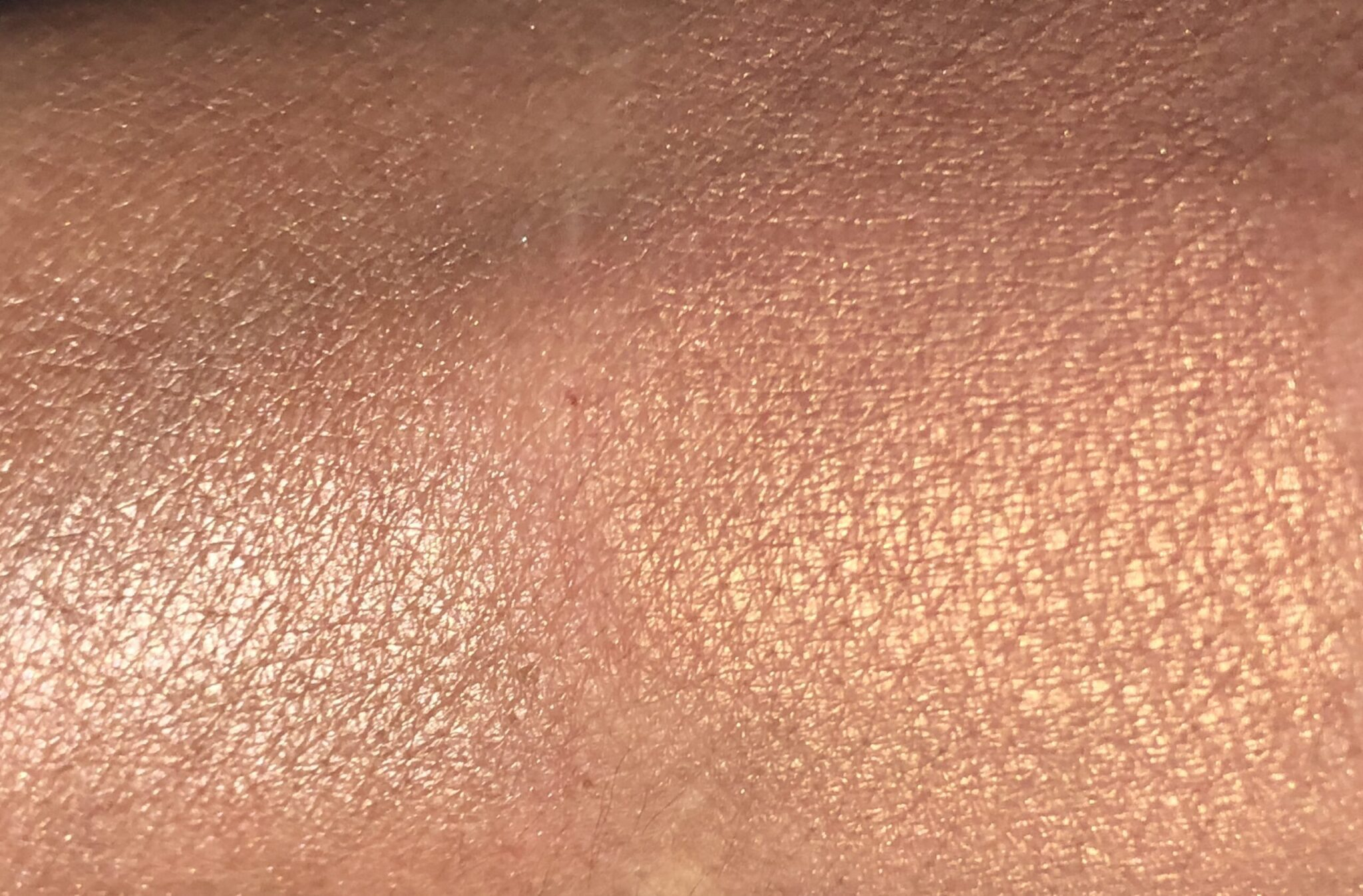 DIORSKIN NUDE LUMINIZER SHIMMERING GLOW POWDER SWATCHES LEFT IS ROSE GLOW, RIGHT IS PEACH DUNE
