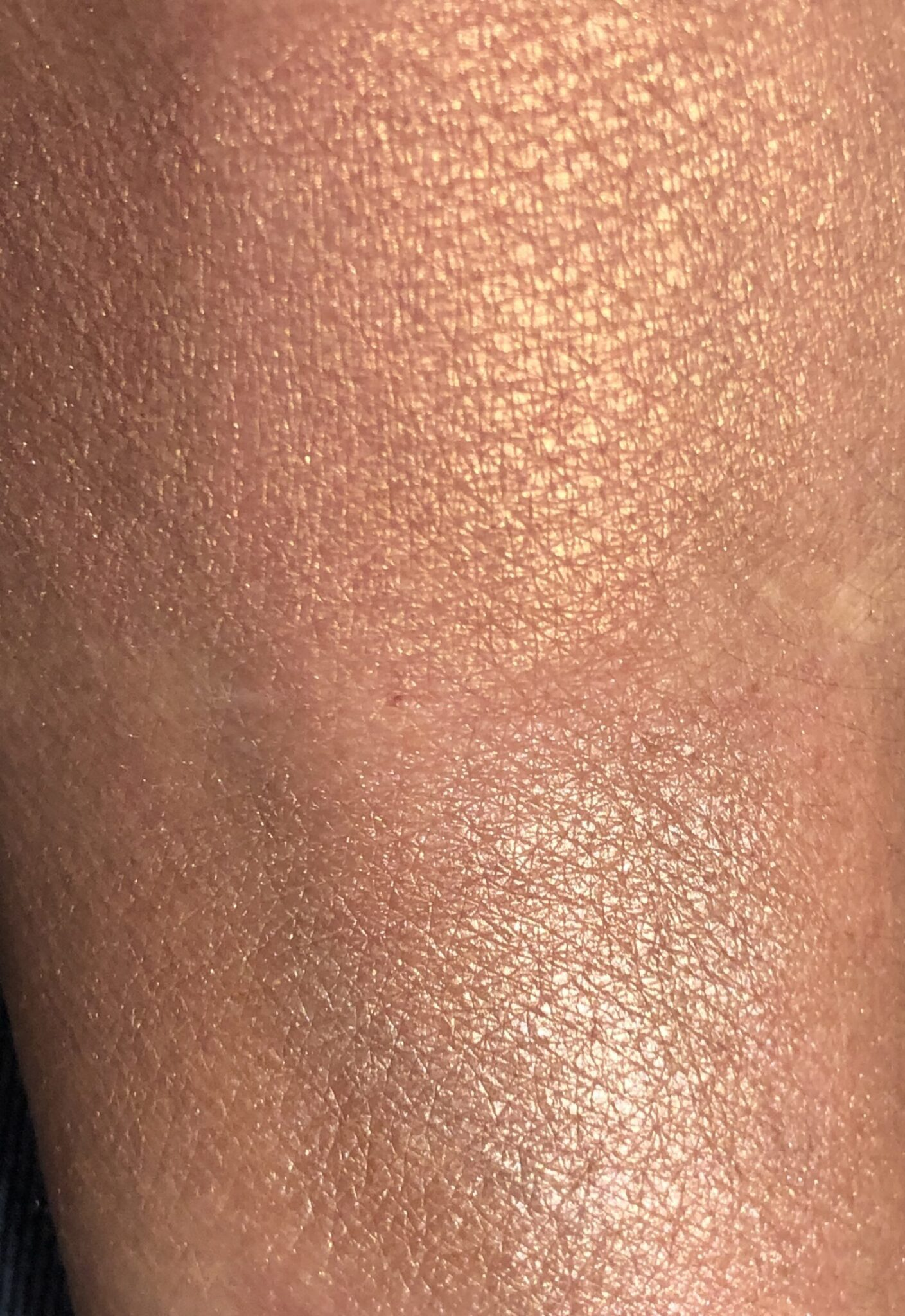 DIORSKIN NUDE LUMINIZER SHIMMERING GLOW POWDER SWATCHES TOP IS PEACH DUNE, BOTTOM IS ROSE GLOW