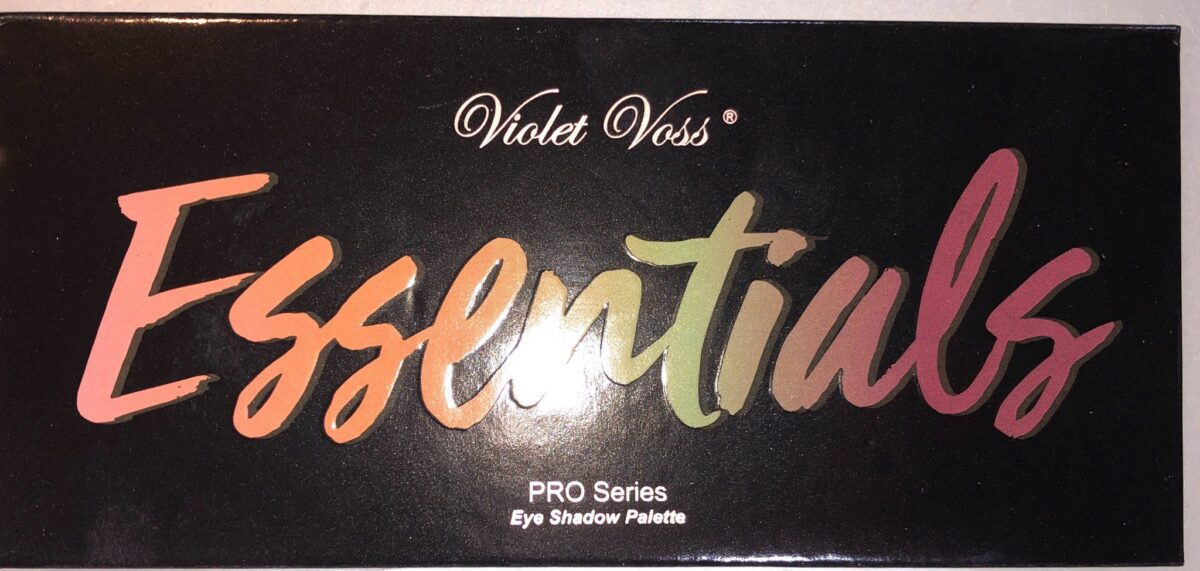 INCLUDED IN THE BOXYLUXE SEPTEMBER BOX IS THE VIOLET VOSS PROFESSIONAL ESSENTIALS EYESHADOW PALETTE