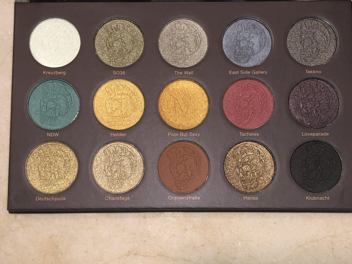 THE 15 SHADOWS IN THE BERLIN UNDERGROUND EYESHADOW PALETTE