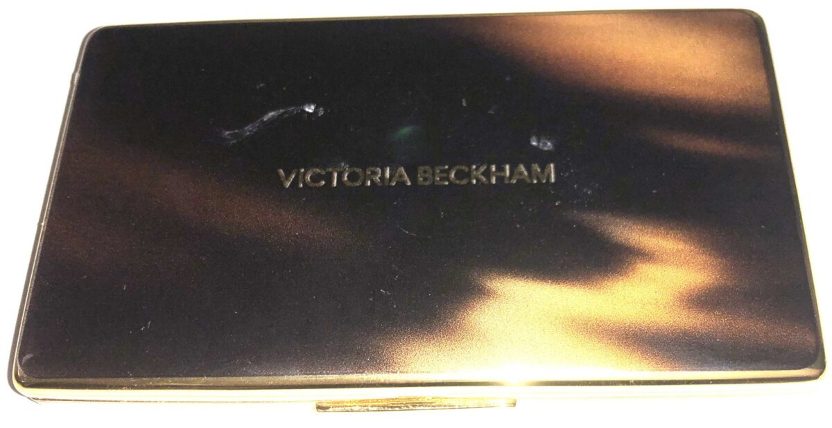 THE FRONT OF THE SMOKY EYE BRICK CASE IS FAUX TORTOISESHELL