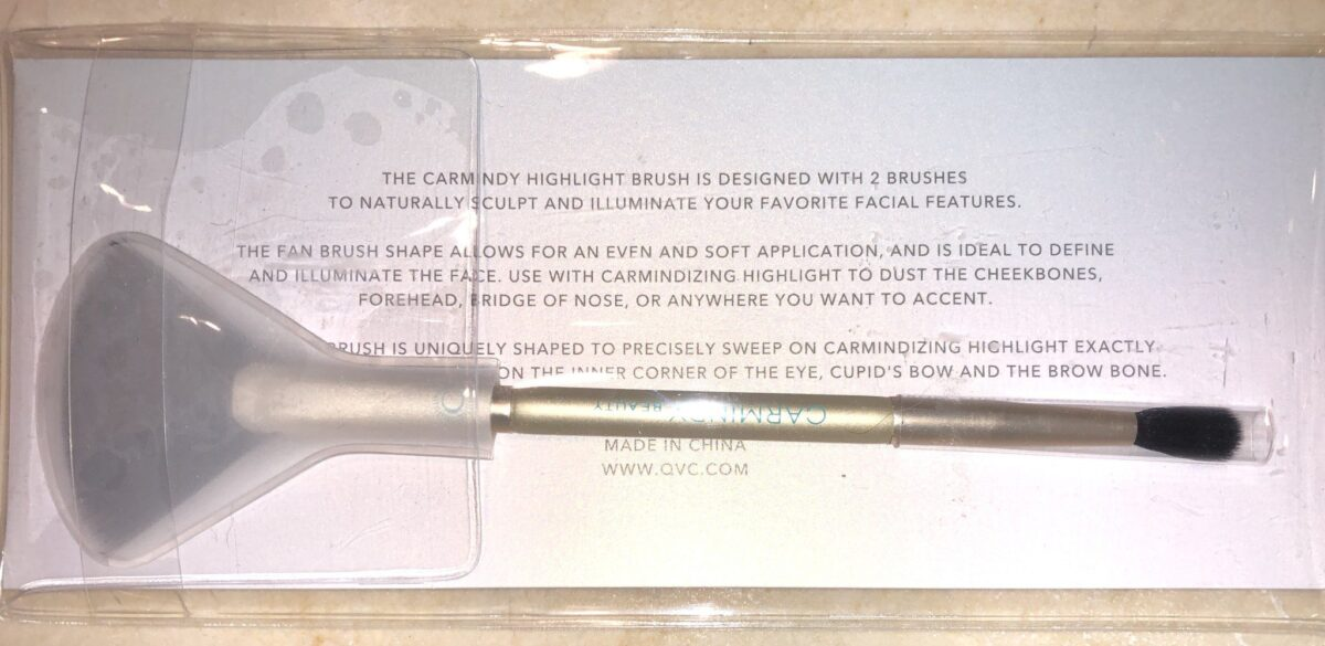 DOUBLE ENDED HIGHLIGHTER BRUSH INCLUDED IN 5 MINUTE FACE