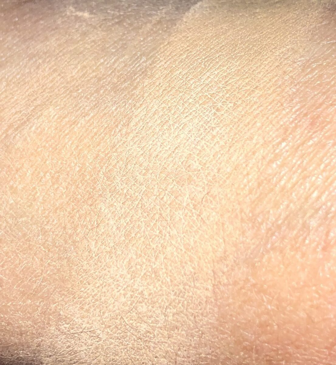 SWATCH M17 WITH MEDIUM SETTING POWDER ON TOP SWATCHES