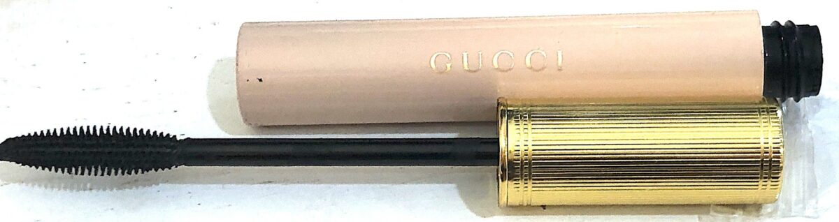 THE GUCCI BRUSH AND TUBE HORIZONTAL