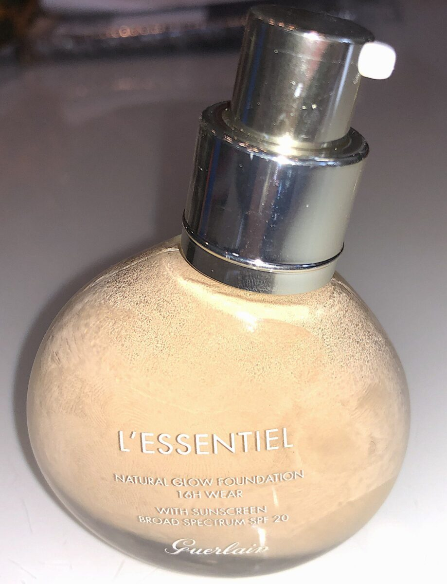 THE PUMP DISPENSES THE GUERLAIN ESSENTIAL NATURAL GLOW FOUNDATION