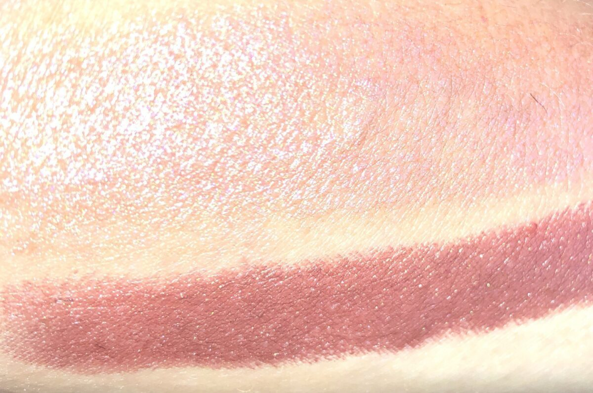 COURCHEVEL GLOW STICK SWATCHES HIGHLIGHTER AND BLUSH