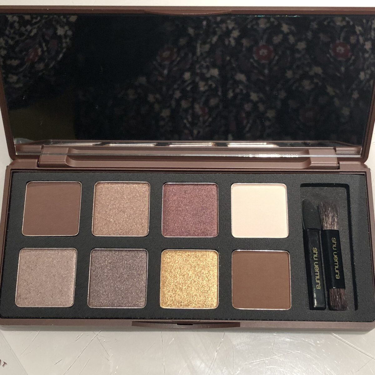 LARGE MIRROR INCLUDED IN SHU UEMURA GANACHE 7 PRALINE EYE PALETTE DARK CACAO