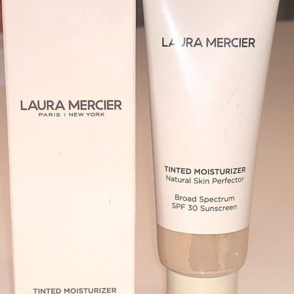 THE LAURA MERCIER TINTED MOISTURIZER