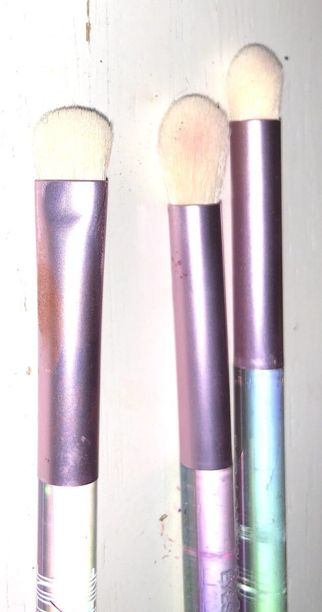 THE OTHER SIDE OF THE DUAL ENDED BRUSHES