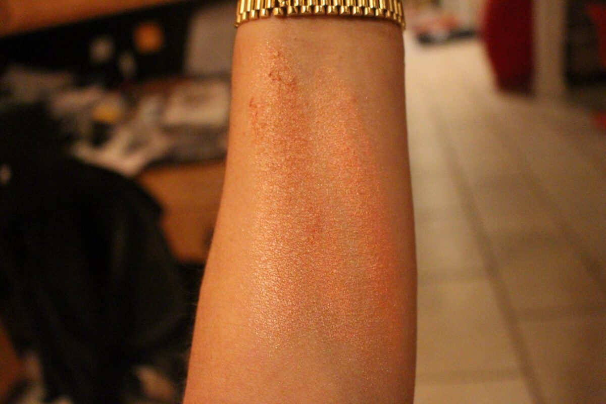 Rose Gold Swatch on Left, Beach Nectar Swatch on right