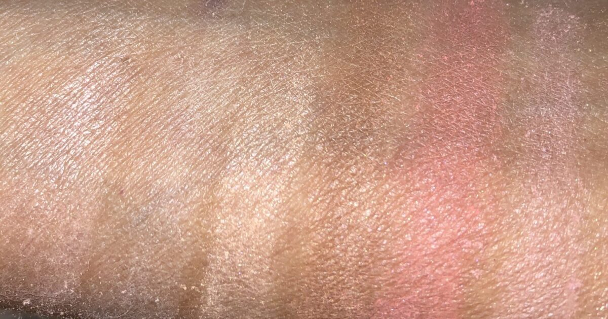 DIM LIGHT, DIFFUSED LIGHT, STROBE LIGHT, BRONZER, BLUSH, BLUSH