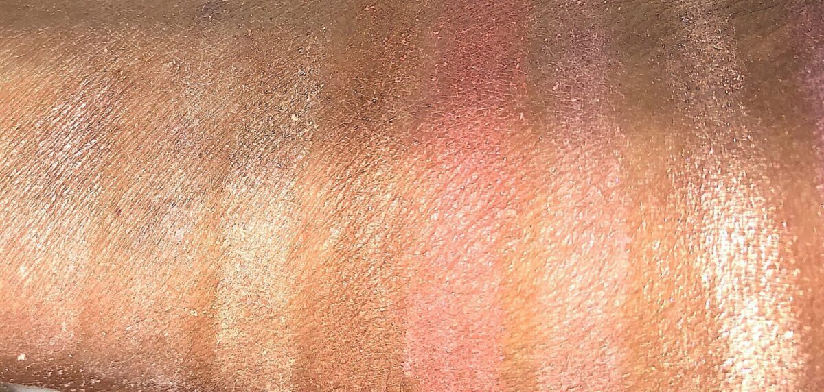 SWATCHES DIM LIGHT, DIFFUSED LIGHT, STROBE LIGHT HIGHLIGHTER, BRONZER, BLUSH AND BLUSH