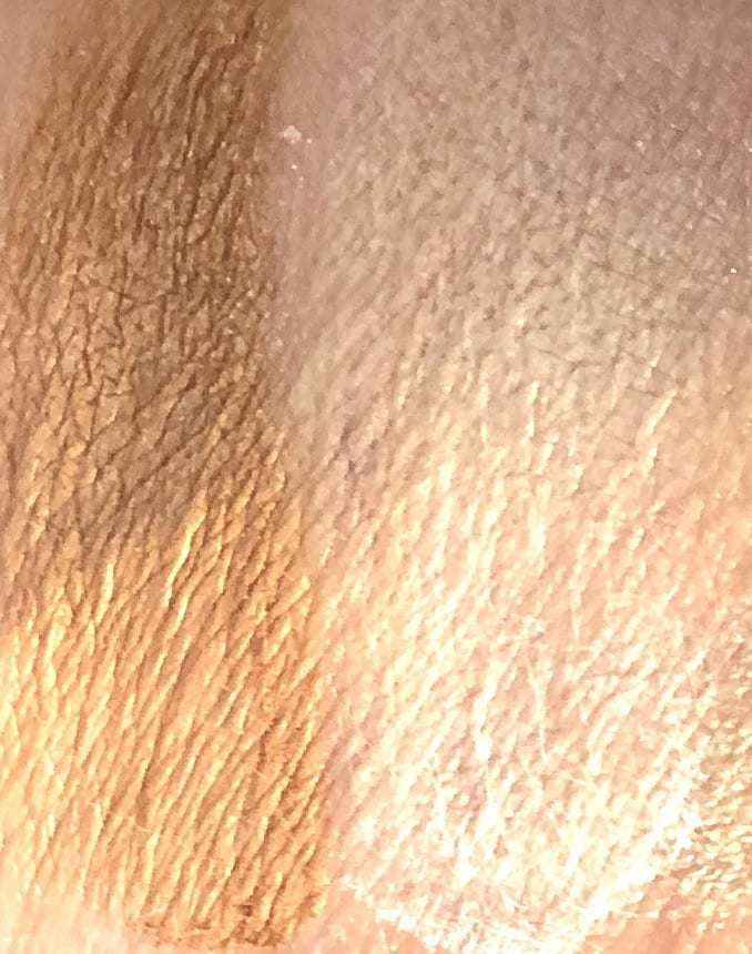 SWATCHES OF THE BEACH BRONZER, AND TRANSLUCENT FINISHING  BYE BYE PORES POWDERS