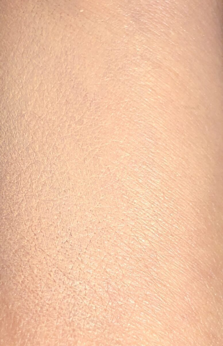 CHANTECAILLE FUTURE SKIN CUSHION NUDE SWATCH USING MY FINGERS