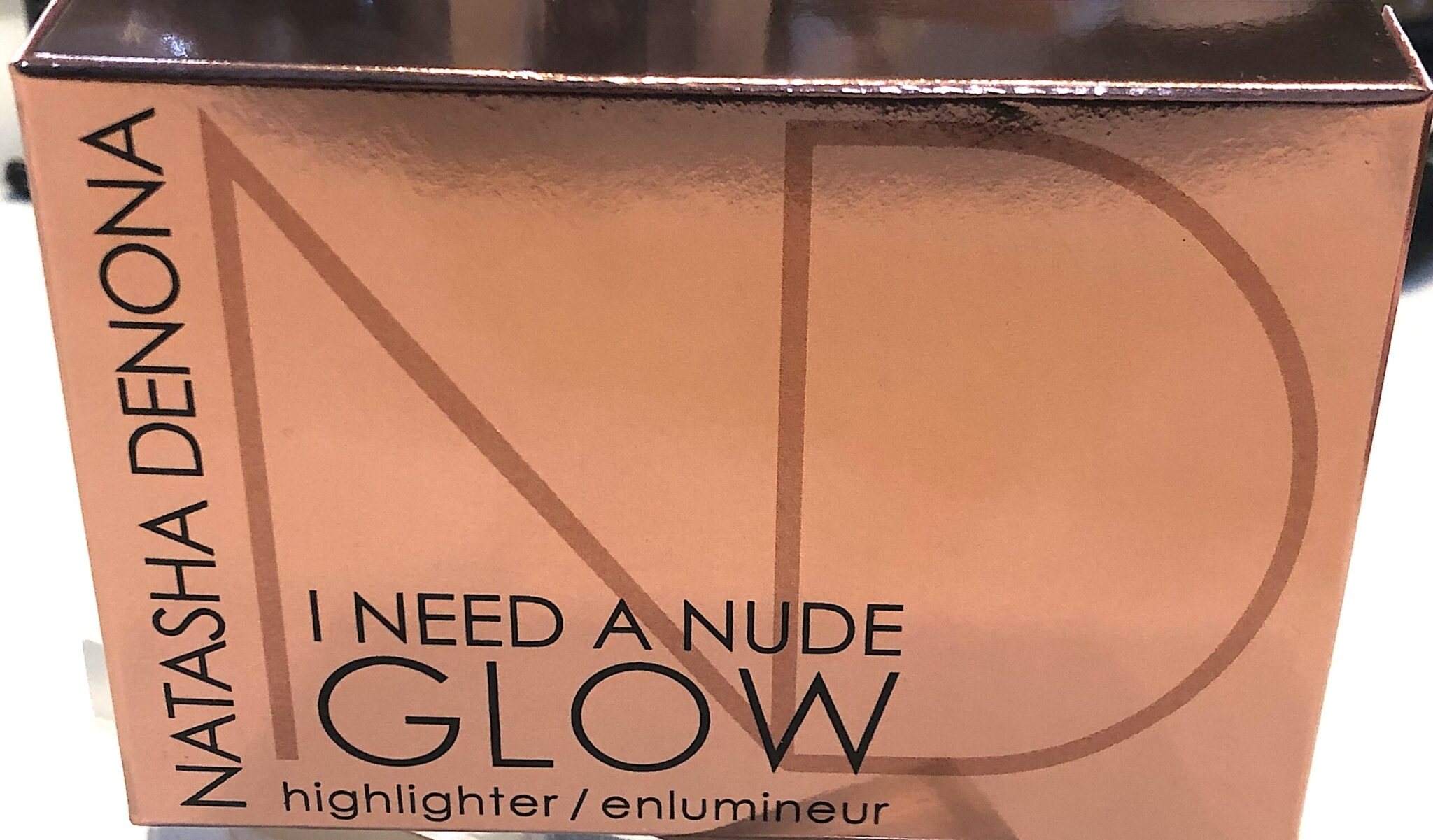 I Need A Nude Glow Highlighter outer box