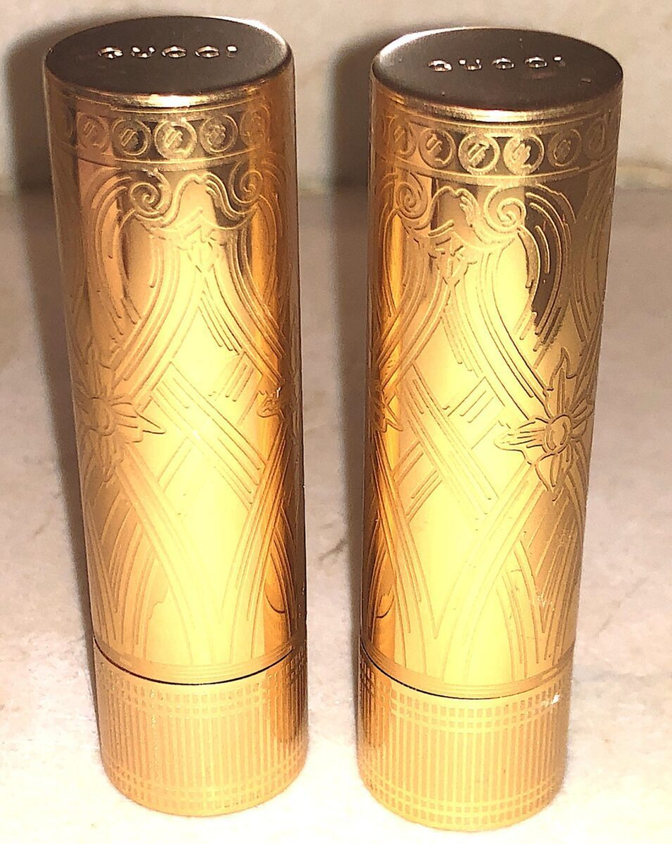 ETCHED ART DECO-DESIGN ON THE ROUGE A LEVRES SATIN GOLD TUBE