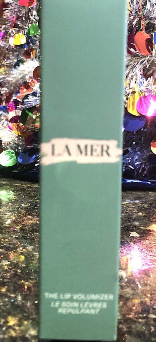 THE OUTER BOX FOR THE LA MER LIP VOLUMIZER