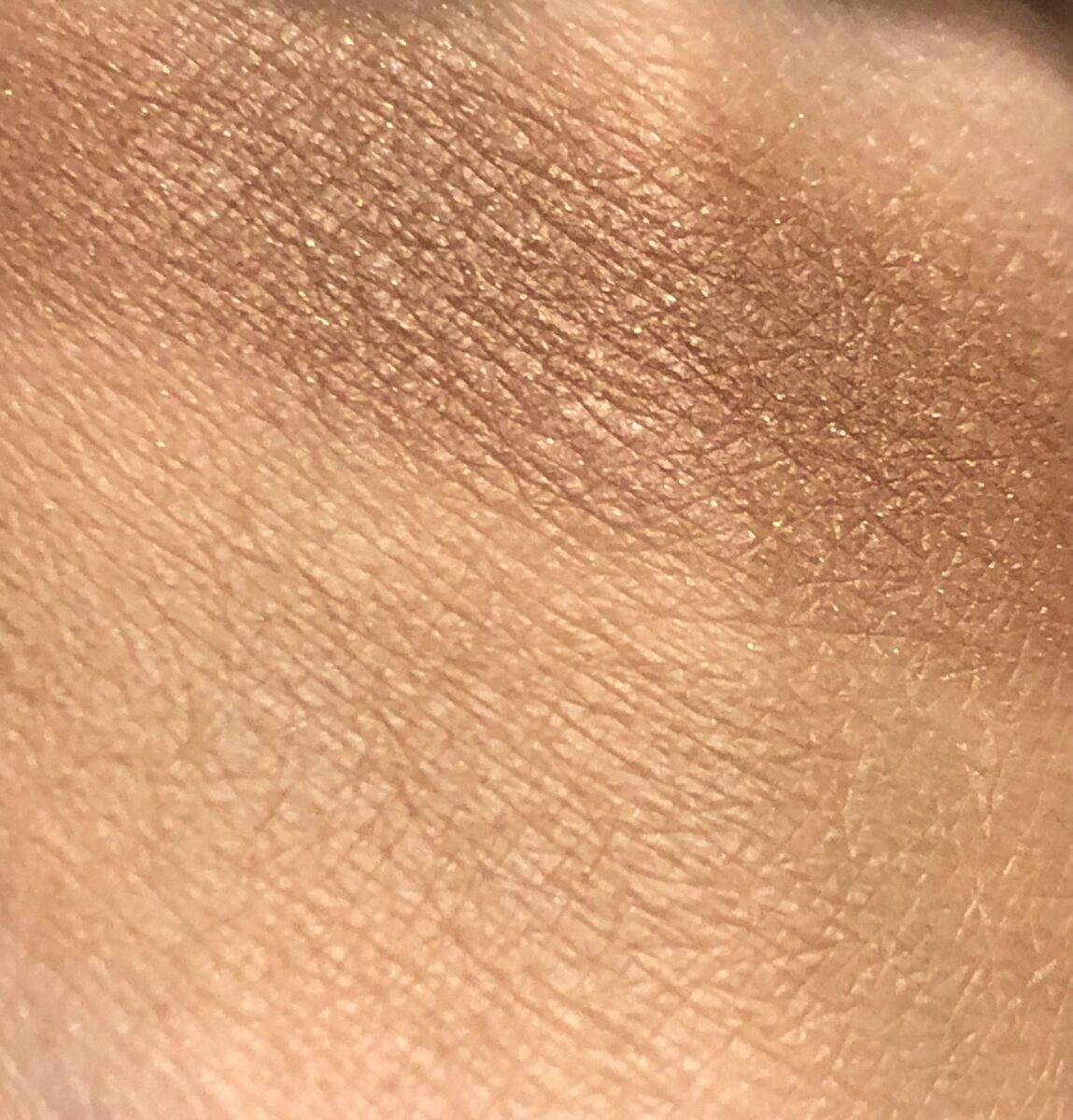 SURRATT BEYOND BEIGE EYESHADOW PALETTE SWATCHES CUIVRE ON THE TOP, AND GREIGE ON THE BOTTOM