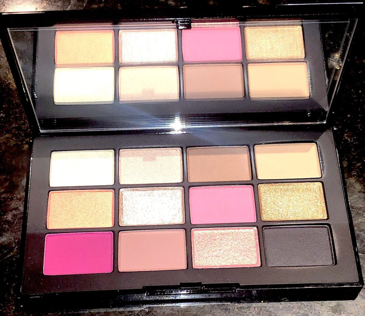 INSIDE THE NARS STUDIO 54 HOLIDAY HYPED EYESHADOW PALETTE
