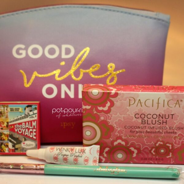 Ipsy-Bag-August-2017-products-and-cosmetic-bag