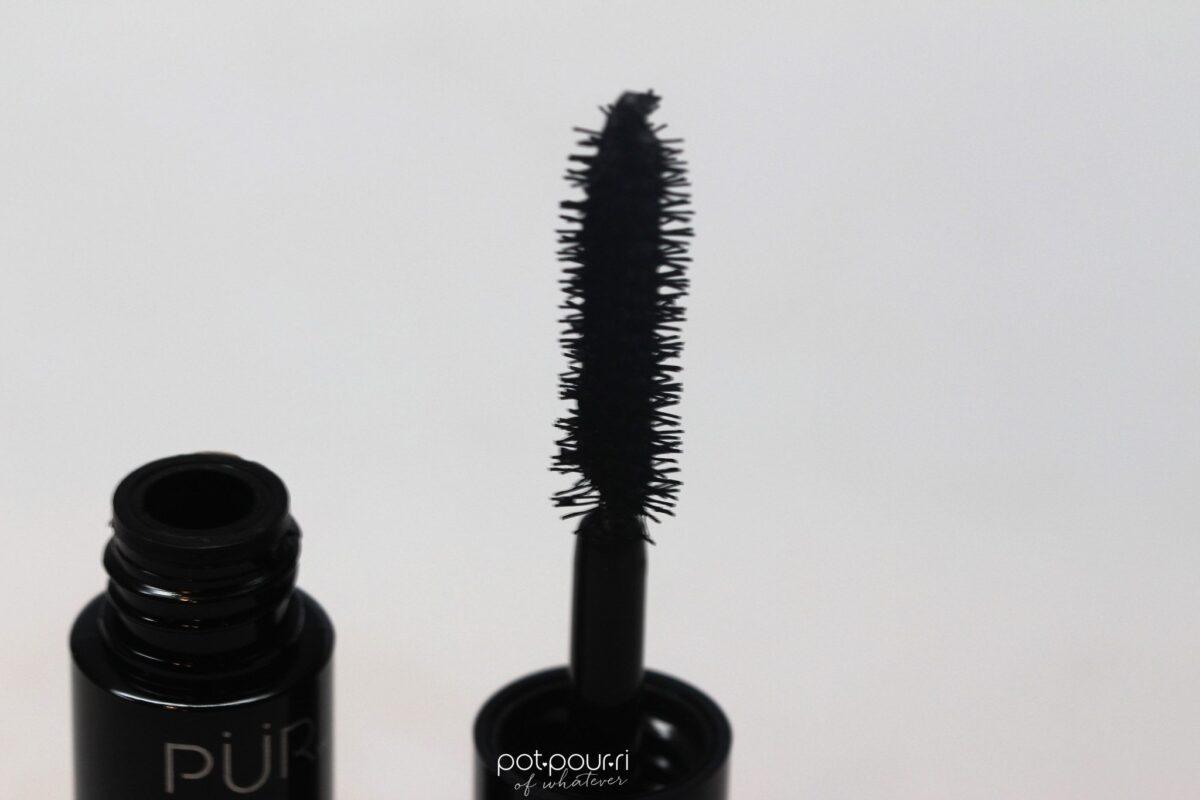 Ipsybag-June2017-Pur-fully-charged-magnetic-mascara-brush