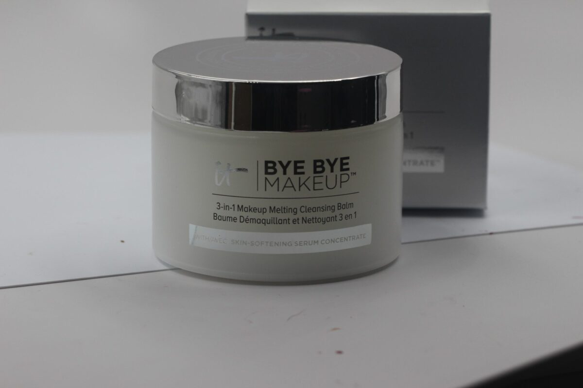 It-Bye-Bye-Makeup-three-in-one-softening-serum