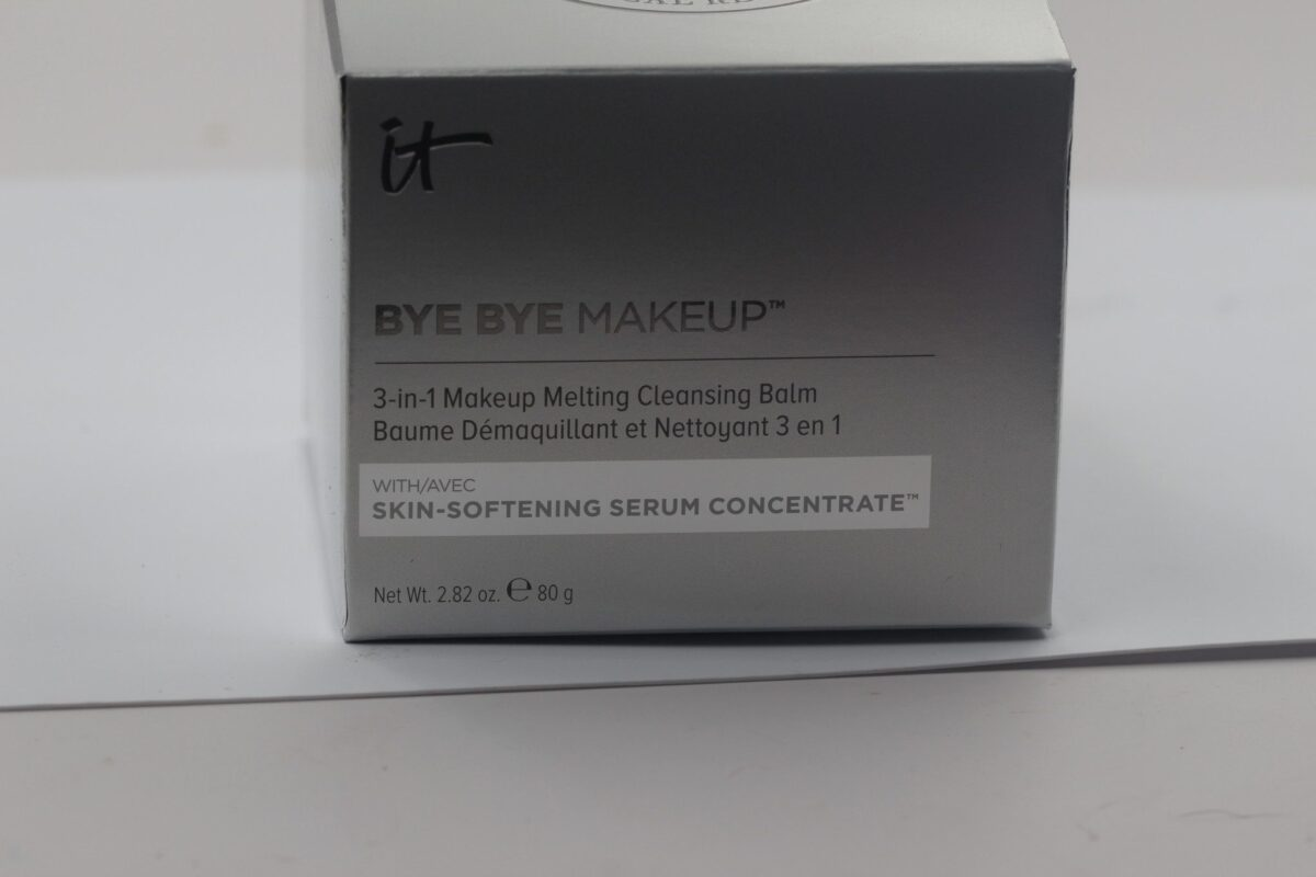 It-Cosmetics-Bye-Bye-Makeup