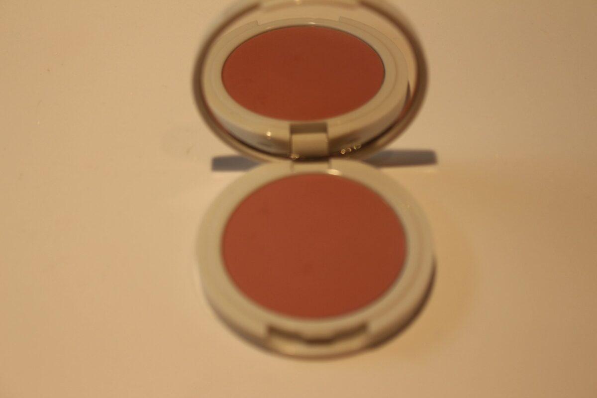 Jillian-Dempsey-Lilac-compact-opened