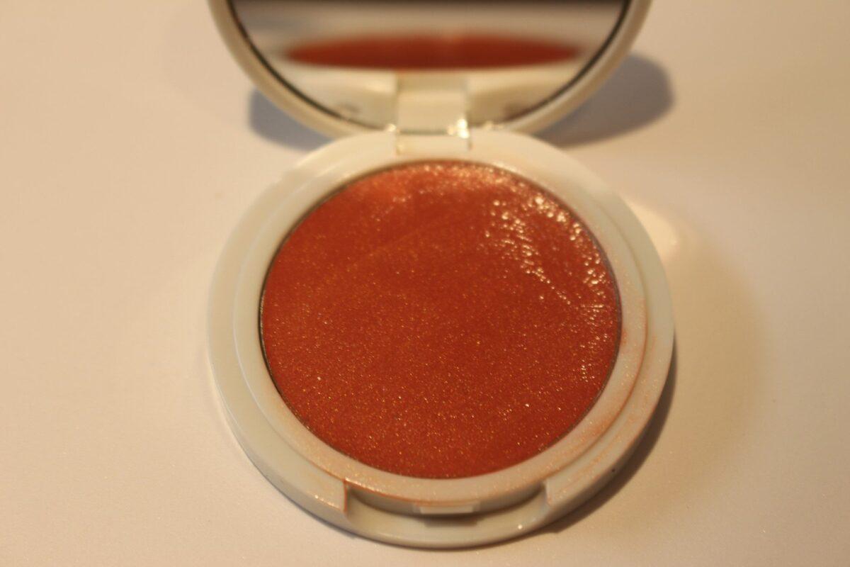 Jillian-Dempsey-Peach-Lid-Tint-compact