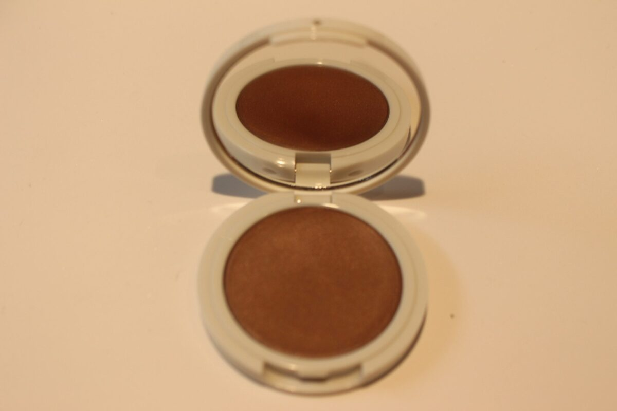 Jillian-Dempsey-bronze-compact-opened-with-mirror