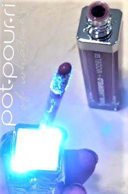 KARL-LAGERFELD-MODEL-CO-LIGHTING-led