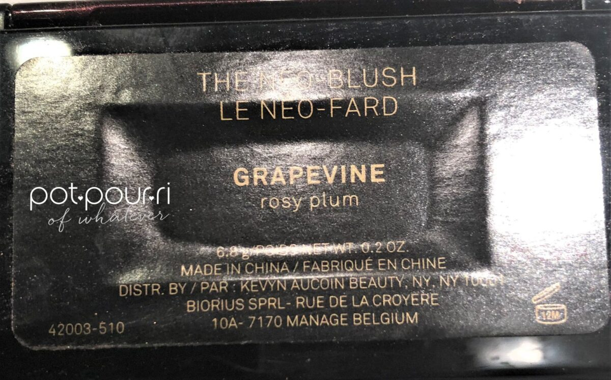 KEVYN-AUCOIN-GRAPEVINE-BACK-OF-COMPACT