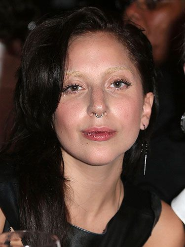 LADY-GAGA-MASTERS-NO-MAKEUP-MAKEUP-LOOK