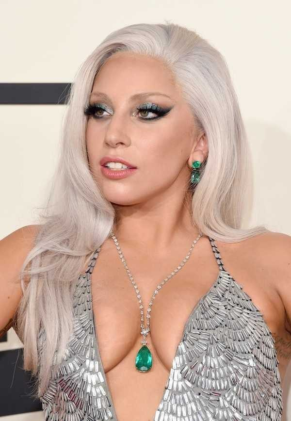 Lady-Gaga-Hairstyles-and-Makeup-Looks-at-Oscars-600x868