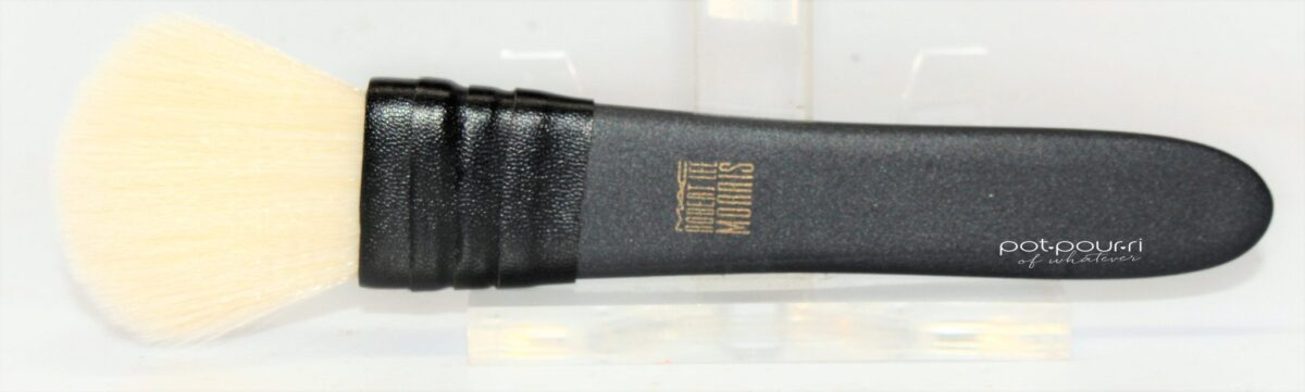 Mac-large-flat-powder-brush-robert-lee-morris-designed-matte-black-handle