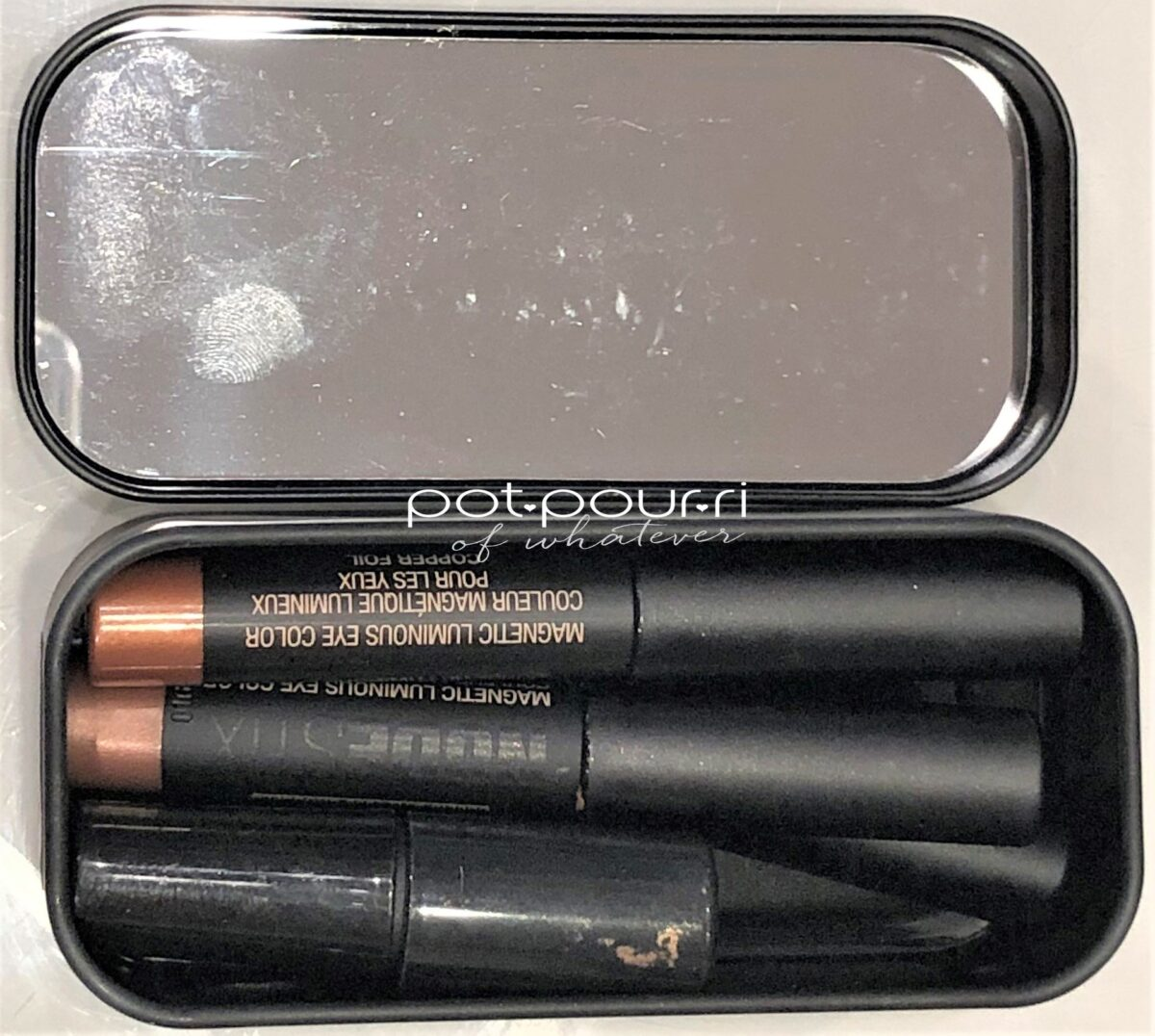 NUDESTIX SMOKEY GOLD EYES KIT IN BOX