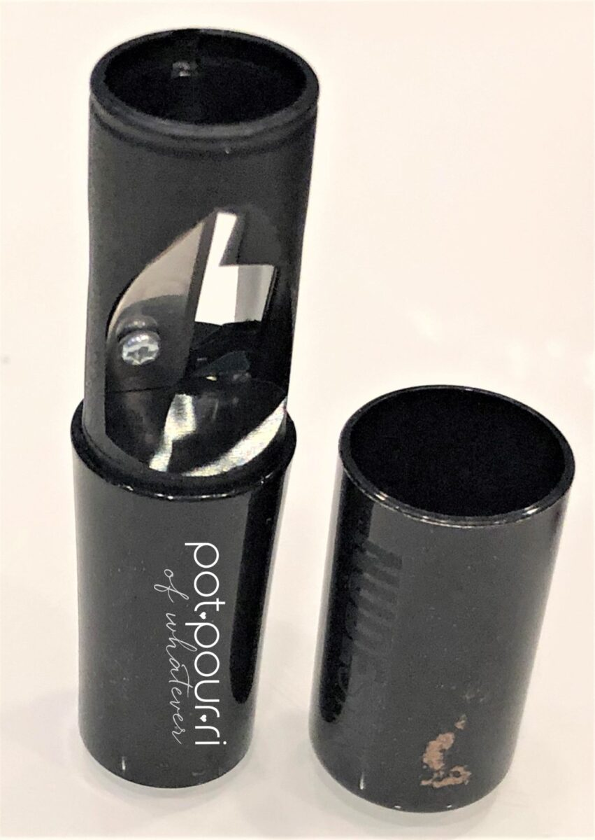 NUDESTIX SMOKEY GOLD EYES KIT PENCIL SHARPENER