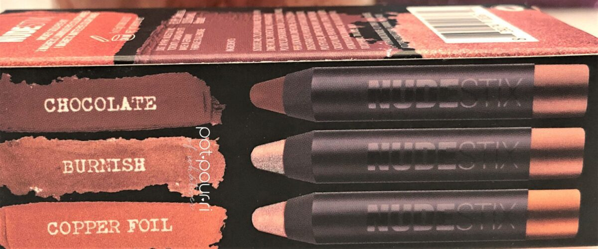 NUDESTIX SMOKEY GOLD EYES KIT PACKAGING