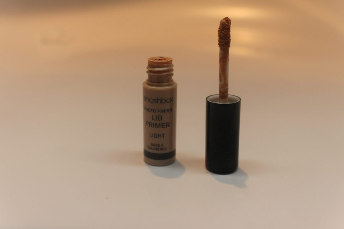 Smashbox Lid Primer in Light and applicator