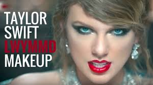 TAYLOR-SWIFT-CAT-EYE-LOOK